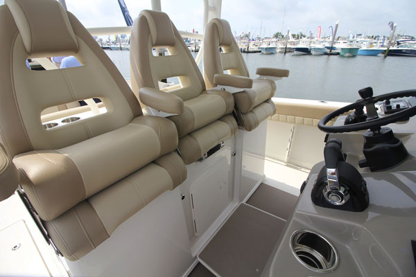 Leaning Post w/ 3 person Helm Seating and 3 Person Aft Facing Seat